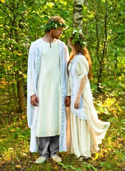http://tamada-julia.narod.ru/bizarre-weddings/costume/elf_wedding2.jpg